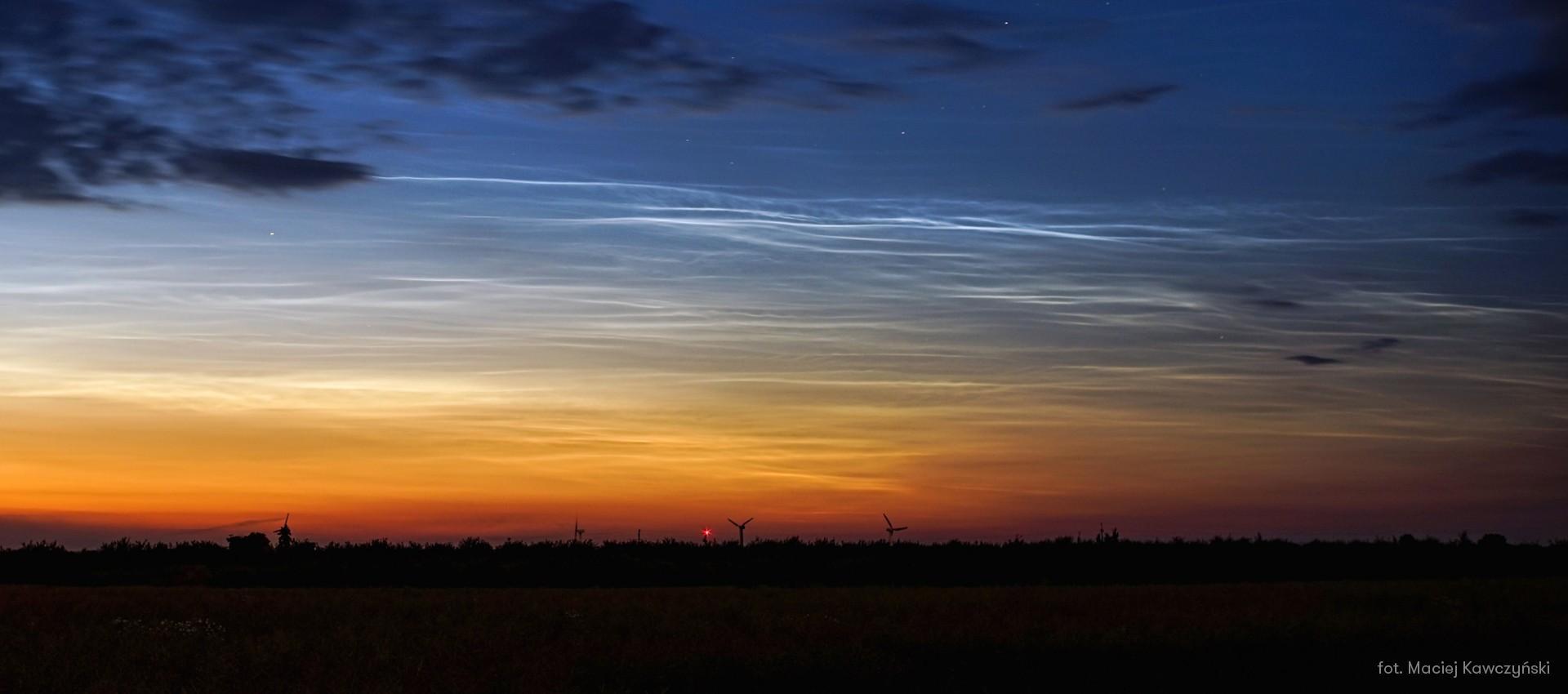 Nocne niebo nad Łodzią w czerwcu 2021 r.